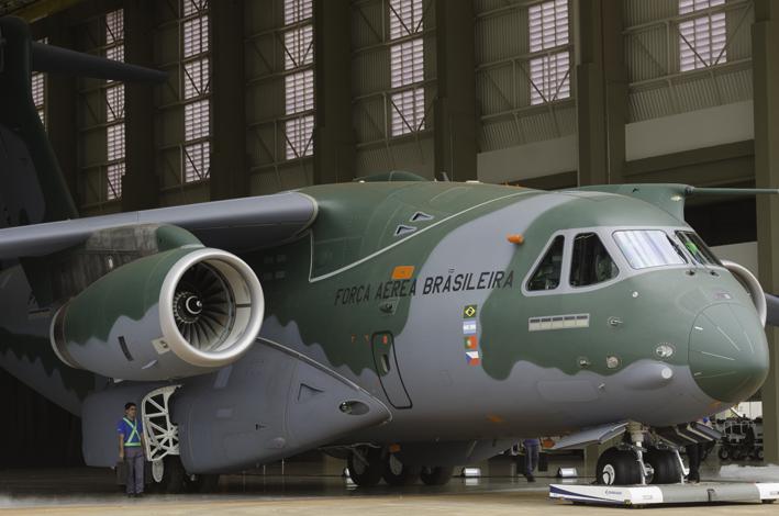 Cerimônia de roll out do KC-390 na fábrica da Embraer Defesa & Segurança. (Imagem: Leonardo Ferro)