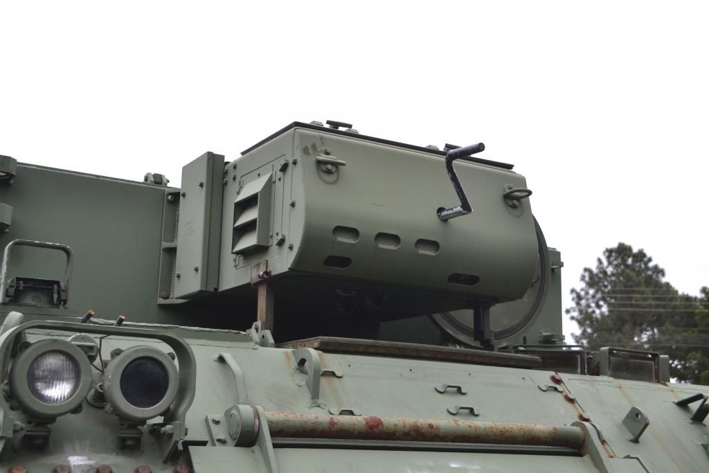 Dos M577 que vieram, poucos estão ainda equipados com gerador portatil à diesel que fica localizado na parte frontal superior do carro. (Imagem: Hélio Higuchi)