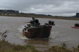 CIBld realiza teste de navegação fluvial da VBTP-MR Guarani