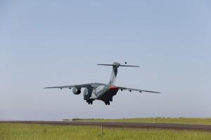 1_KC-390_Take_Off_03