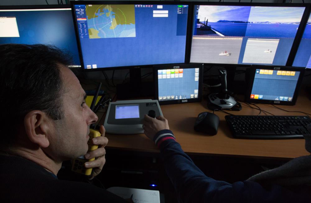 O novo sistema permite permanente monitoramento do que ocorre ao redor de navios. (Imagem: DCNS)