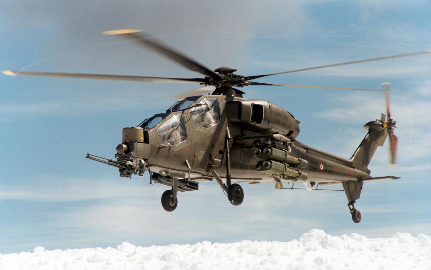 Agusta Westland AW 129 estaria na pauta da Força Terrestre. (Imagem: Agusta Westland)