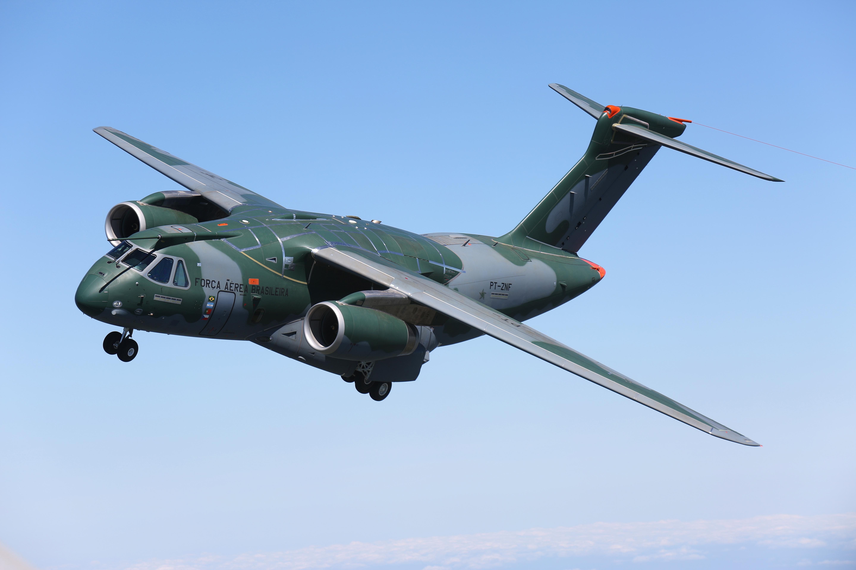 1_KC-390_Air-to-air_05