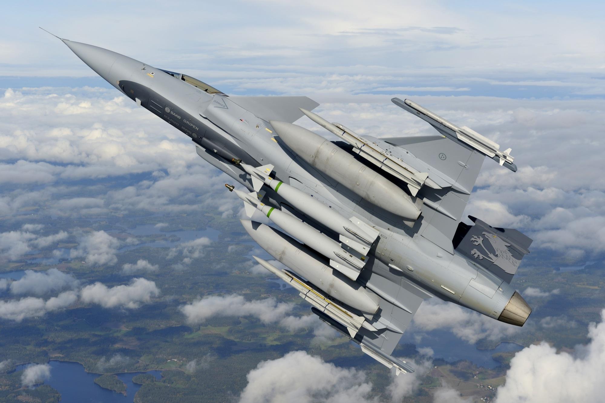 Gripen_NG_Demonstrator_armado_Meteor_Katsuhico_Tokunaga_SAAB