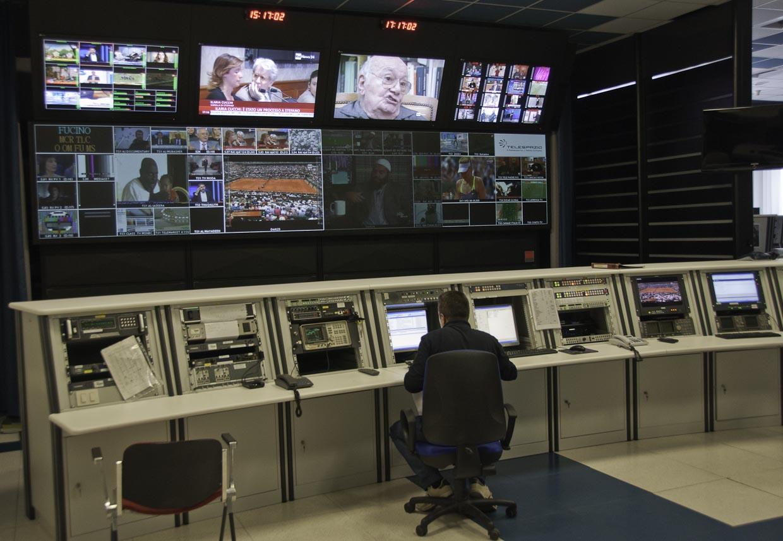 Foto_03_Fucino_Controle_TV_Broadcasting_Internet_europa_Caiafa