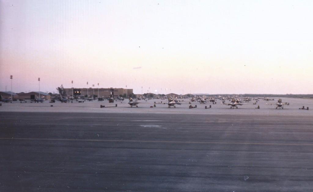 Alguns F-16 khst