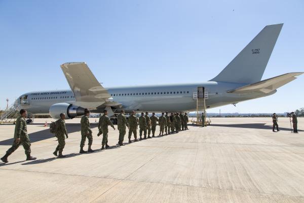 Embarque da tropa no Boeing 767 (Imagem: Agência Força Aérea)