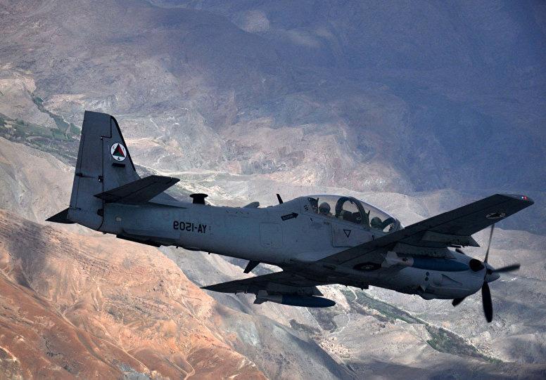 Antes das missões reais pilotos afegãos passaram por um breve ciclo de treinamento no seus país. (Imagem: 438th Air Expeditionary Wing)