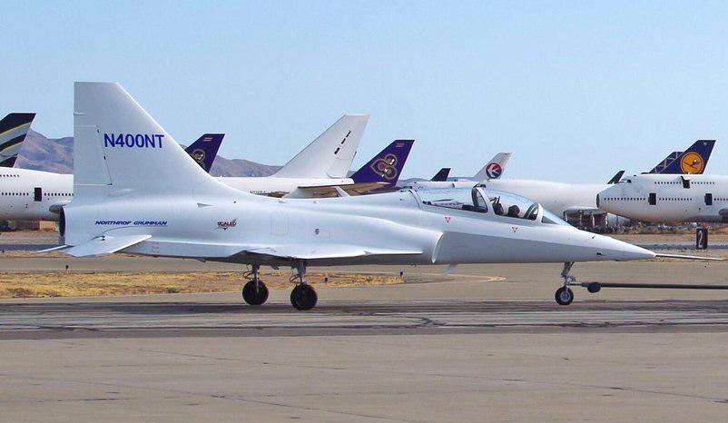 O design do Model 400 lembra os aviões da família F-5/T-38 da Northrop Grumman. (Imagem: David Kern)
