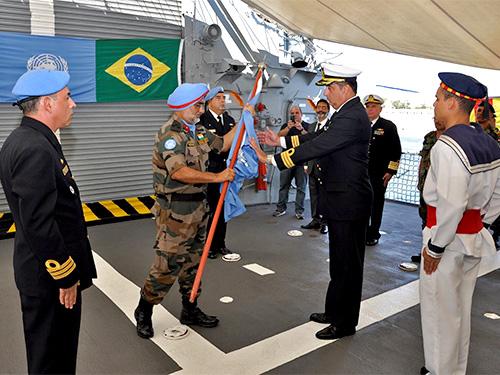 Handover do navio capitânia da FTM-UNIFIL (Imagem: Marinha do Brasil)