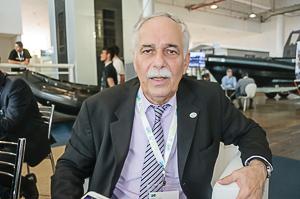 O vice-presidente da ABIMDE, almirante R1 Pierantoni Gamboa, destacou o exito na atração de mercados externos. (Imagens: Roberto Caiafa)